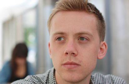 El escritor británico Owen Jones.