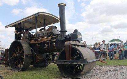 La apisonadora de vapor Lord Jericho, con la que fue destruido el disco duro con las obras de Terry Pratchett.
