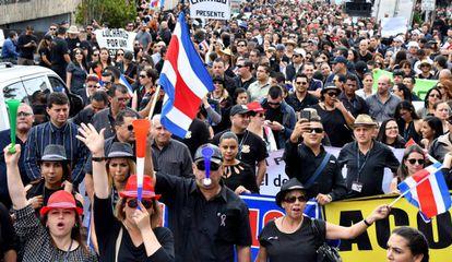 Funcionarios del poder judicial en una protesta en Costa Rica.