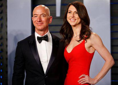 Jeff y MacKenzie Bezos, en la fiesta de la revista 'Vanity Fair' tras los premios Oscar de 2018.