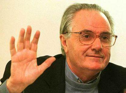 José Antonio Pagola, ayer durante un encuentro sobre la paz en la Universidad del País Vasco (Vitoria).