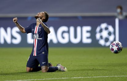 PSG's Neymar celebrates at the end of the Champions League semifinal soccer match between RB Leipzig and Paris Saint-Germain at the Luz stadium in Lisbon, Portugal, Tuesday, Aug. 18, 2020. PSG won the match 3-0. (AP Photo/Manu Fernandez)