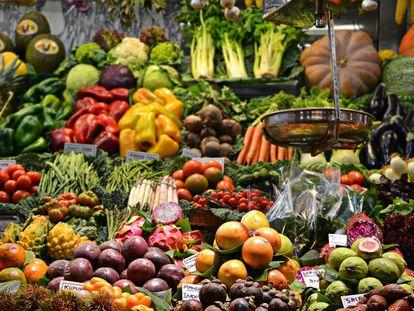 Durante el confinamiento en España ha crecido la compra de legumbres, frutas y verduras