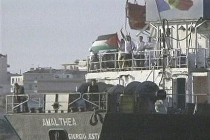 Parte de la tripulación y el pasaje del barco Al Amal, en fecha y lugar sin precisar.