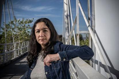 La escritora mexicana Fernanda Melchor posa en la ciudad de Puebla, el 29 de enero de 2021.