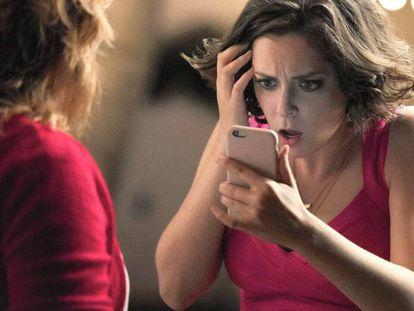 La actriz Rachel Bloom, en una imagen de la serie 'Crazy Ex-Girlfriend'.