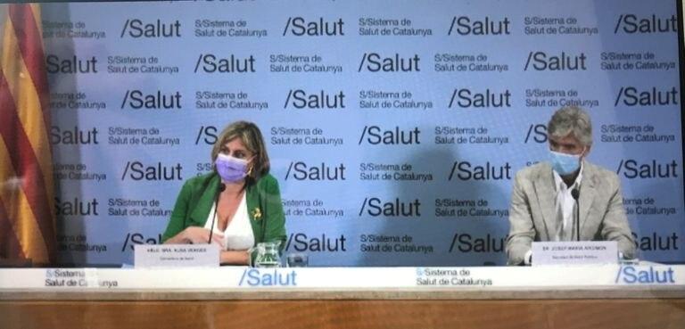 El nuevo secretario de la Agència de Salut Pública, Josep Maria Argimón, y la consellera de Salud, Alba Vergés.
