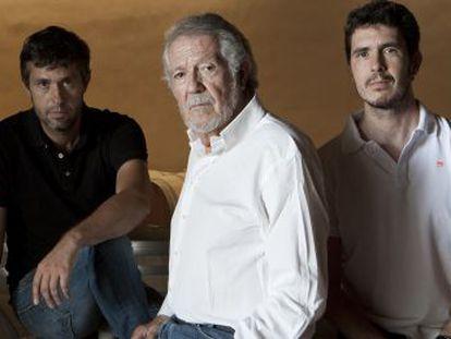 A la izquierda, Eduardo García, junto a su padre Mariano (fundador de Mauro) y su hermano Alberto.
