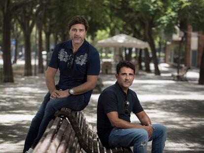 Mauricio Pochettino con su segundo, Jesús Pérez.