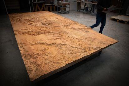 Uno de los seis módulos que formaban la maqueta topográfica del inmenso paraje de las montañas de Al Ula, en Arabia Saudí. |