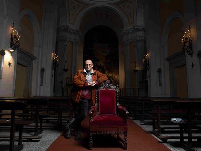 El artista Julio Jara que vive y trabaja en el Monasterio de la Inmaculada Concepción , Loeches