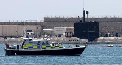 El submarino nuclear HMS Tireless tras su llegada a Gibraltar.