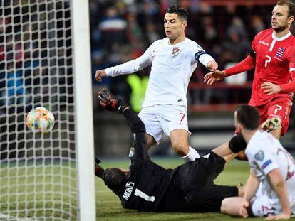 Cristiano empuja el 0-2.
