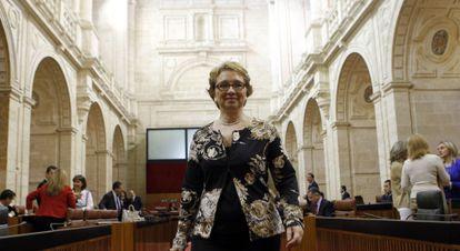 Carmen Matínez Aguayo, en el pleno del Parlamento.