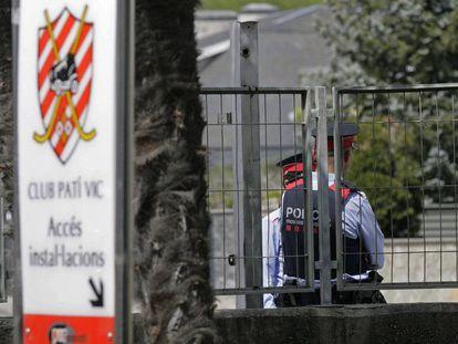 Los Mossos citan como investigados a la Junta del Club Patí Vic.