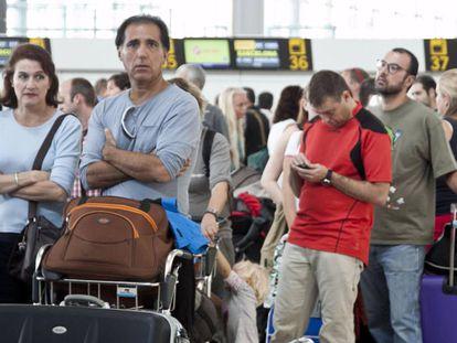 Pasajeros en el aeropuerto de Alicante.