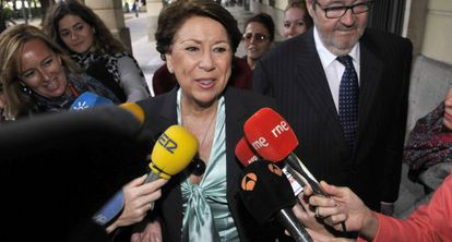 Magdalena Álvarez, en los juzgados de Sevilla en noviembre.
