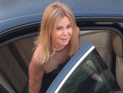 La actriz Ana García Obregón durante el funeral de su hijo Áless Lequio en Alcobendas, Madrid, el 30 de junio de 2020.