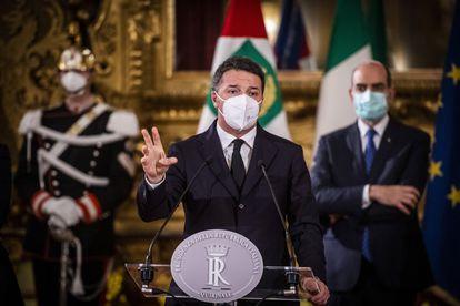 El líder de Italia Viva, Matteo Renzi, en su comparecencia en el Palacio del Quirinal, este jueves.