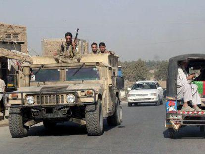 Fuerzas de seguridad afganas, este lunes en la provincia de Kunduz.