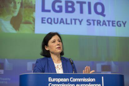 La vicepresidenta de la Comisión Europea de Valores y Transparencia, Vera Jourová, en una rueda de prensa en Bruselas.