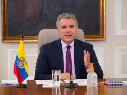 El presidente Iván Duque celebra la prisión perpetua para asesinos y violadores de niños en su programa diario sobre el coronavirus