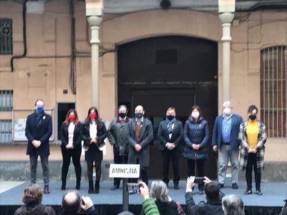 Miembros de partidos y entidades este lunes en la Modelo en la presentación de la ley de amnistía.