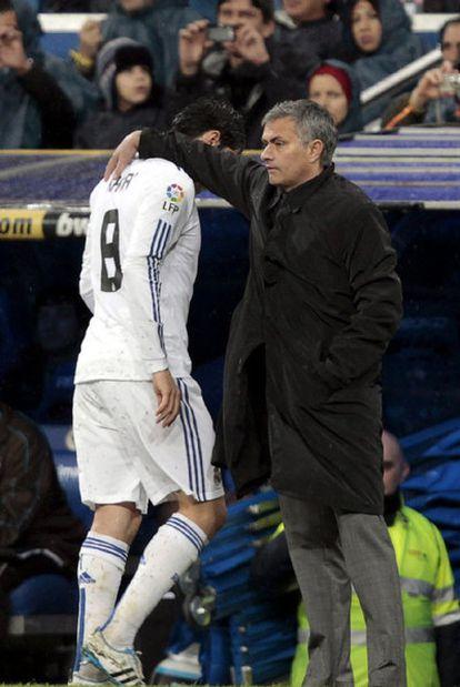 José Mourinho sustituye a Kaká ante el Levante.