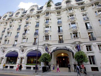 La fachada del hotel Lutetia de París.