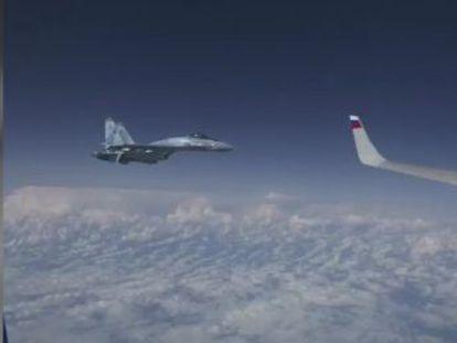 La aeronave de la OTAN se acercó a identificar el avión donde viajaba el ministro de Defensa de Moscú