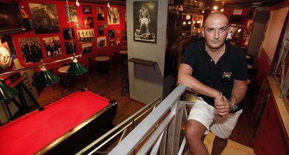 Andrés Albert, dueño del bar Nueve Tragos.