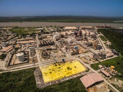 La planta de la empresa petroquímica Monómeros en Barranquilla (Colombia).