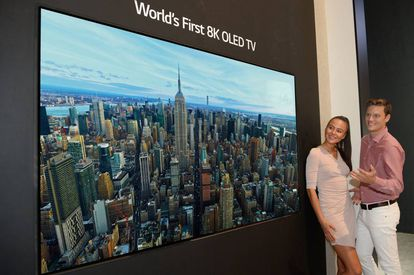 Televisor LG 8K OLED.