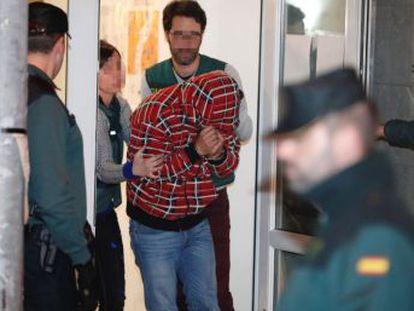 El asesinato del concejal Javier Ardines deja al descubierto las falsas relaciones en una familia aparentemente feliz