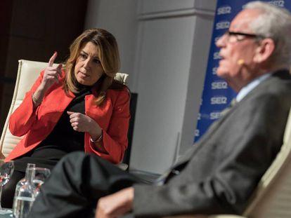 La presidenta andaluza, Susana Díaz, junto al expresidente de la Junta de Andalucía Rafael Escuredo, este lunes en un debate de la SER sobre financiación autonómica y la extensión del Cupo vasco.