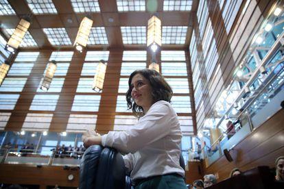 Isabel Diaz Ayuso, del PP, en un pleno de la Asamblea de Madrid.