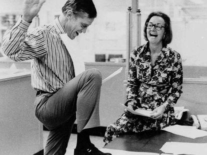Bradlee y Graham, director y editora de 'The Washington Post', con el permiso para publicar los papeles secretos en 1971.