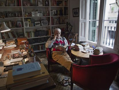 Juan Marsé en su casa, en Barcelona.