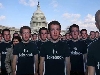 Protesta contra Facebook, a las afueras del Capitolio, en Washington, el pasado mes de abril.
