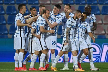 Los jugadores del Inter celebran un gol ante el Crotone el sábado