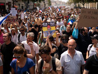 Protesta en contra del certificado covid, el 7 de agosto en París.