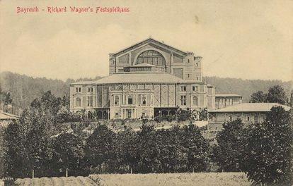 El teatro Richard Wagner, en Bayreuth (Alemania), en una postal de 1909.
