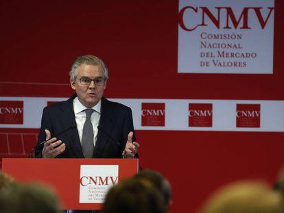 Sebastián Albella, presidente de la CNMV, durante la rueda de prensa.
