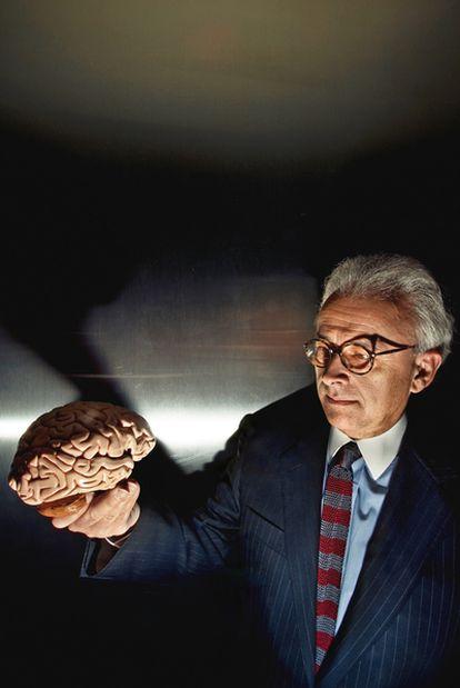La emoción en sus manos. Antonio Damasio (Lisboa, 1944) es considerado como el maestro de las emociones, un neurocientífico pionero del siglo XX en la investigación de esta materia.