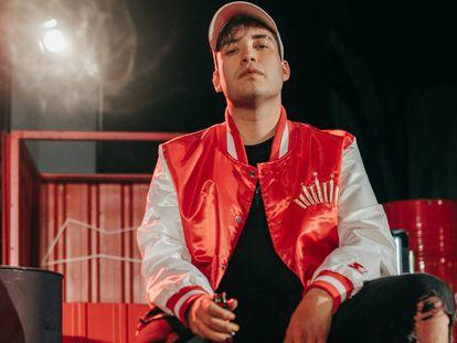 El rapero Kapo013 retransmitió ElClásico del pasado abril haciendo de mediador en una riña de gallos.