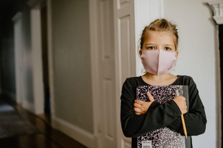 A día de hoy, las mascarillas cubriendo nariz y boca, no permiten acceder a una total expresión facial.
