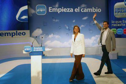 María Dolores de Cospedal junto a Mariano Rajoy, en la convención del PP.