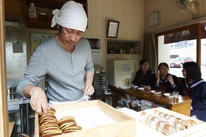 Fotograma de 'Una pastelería en Tokio'.