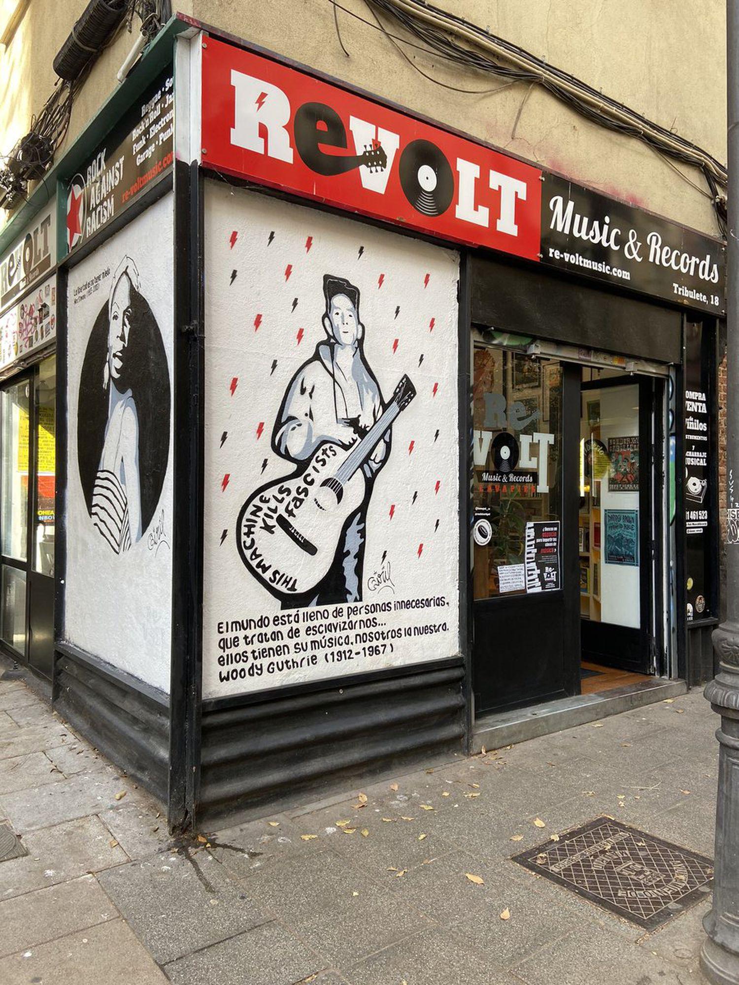 Fachada de la tienda Revolt Music & Records.