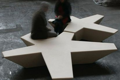 Banca<i> Flor</i>, diseñada por Tuñón y Mansilla.